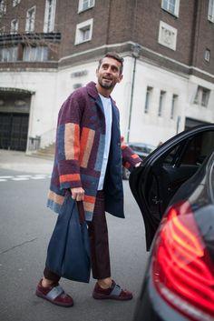 London Men's Fashion Week | WWD Men fashion coat winter street style