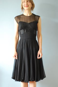 @Sarah Villarreal THis is what a circle skirt looks/hangs like in chiffon. ignore the top.