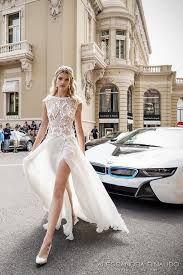 Znalezione obrazy dla zapytania wedding dress lace slit 2017