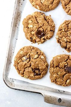 These Gluten-Free Oatmeal Chocolate Chip cookies are flourless and egg-free, with a soft and chewy center. Vegan and sweetened with coconut sugar.