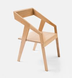 Cyntia Briano Alamillo, of Collaptes, handcrafts wooden furniture, without the need of screws and any solvents, and instead focusing on the raw material.