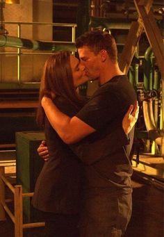 bones booth and brennan kiss