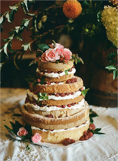 naked cake with raspberries Dessert Decoration, Dessert Table, Wedding Sweets, Wedding Cakes, Outdoor Wedding Inspiration, Wedding Ideas, Cake Design Inspiration, Farm Wedding, Dream Wedding