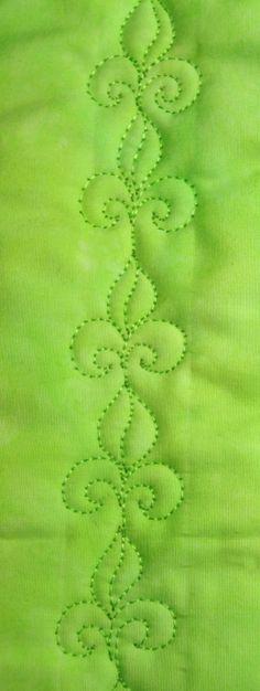 Fleur de lis, Free Motion Quilting Tutorial, from theinboxjaunt.com fleur de, quilt design, quilting tutorials, machin quilt, free motion, motion quilt, de lis, quilt idea, quilt tutori