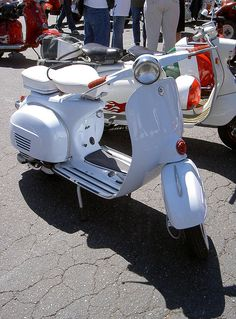 Super White Vespa