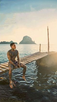 Model Stephen James for Sik Silk Clothing