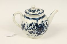LOT 21  Eighteenth century Worcester blue and white teapot, painted in the Mansfield pattern - blue crescent mark to base
