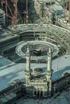 Masjid al-Haraam @ Makkah al-Mukarramah Islamic Architecture, Art And Architecture, Alhamdulillah, Beautiful Mosques, Beautiful Places, Monuments, Medina Mosque, Mecca Kaaba, Masjid Al Haram