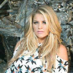 LAUREN ALAINA WRITES AND RECORDS EXCLUSIVE TRACK FOR ESPN