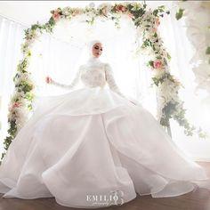 NANCY   #LikeNoOther Image by @emiliobphotography   Cinema @nyc_films   Makeup @ebrukaracaylimakeup   Gown @suzannablazevic   Florals @flowerswithdevotion   Cars @queenstcarhire   Reception @thebellevue #couture #bride #hijab #bestweddings #luxury #hijab #hijabbride #florals #makeup #weddingblogger #weddingphotography #weddingphotographer #emiliobphotography @bridesjournal @thebride_pics @inspiremeweddings Wedding Bride, Dream Wedding, Wedding Dresses, Shabby Chic Theme, Lace Gowns, Hijab Bride, Weeding, Reception