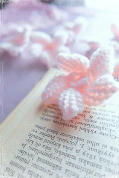 Crocheted cherry blossom hairclips and other vintage inspired hair accessories at Protagonist Crafts.