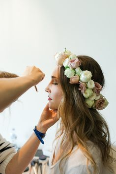 #hairstyles, #halo-wreath, #flower-crown  Photography: Kate Robinson Photography - www.katerobinsonphotography.com/  Read More: http://www.stylemepretty.com/2014/06/17/modern-and-whimsical-orange-wedding-in-australia/