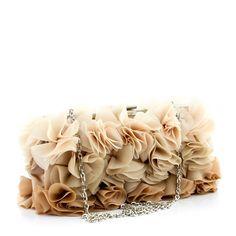 Jedna z najpiękniejszych torebek z oferty Styloskop.pl. Wykonana z miękkiego materiału w trzech odcieniach nude wygląda jak bukiet róż w twoich rękach.   http://styloskop.pl/produkt/194,Menbur_82767