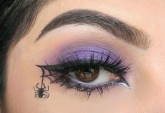 Are you looking for inspiration for your Halloween make-up? Browse around this site for unique Halloween makeup looks. Halloween Spider Makeup, Spider Web Makeup, Unique Halloween Makeup, Halloween Halloween, Holiday Makeup, Halloween Costumes, Halloween Eyeshadow, Spider Witch Makeup, Pixie Makeup