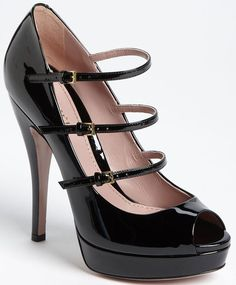 Gucci Lisbeth  Mary Jane Pumps in Black Patent