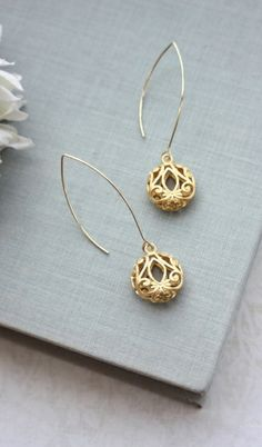 Puffy Pear Filigree Gold Long Earrings. Wedding Jewelry, Bridal Earring. Bridesmaid Gifts by Marolsha - https://www.etsy.com/listing/196553145/gold-puffy-round-filigree-earrings?ref=listing-shop-header-0