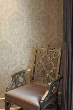 Love the wall stenciling/glazing and the finish on the chairs from Mecox Gardens  (www.mecoxgardens.com)