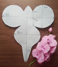 Paper Flowers Craft, Crepe Paper Flowers, Paper Roses, Flower Crafts, Paper Crafts, Giant Paper Flowers, Felt Flowers, Diy Flowers, Fabric Flowers