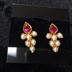 Simple yet elegant button earrings - traditional maharashtrian earrings which goes with any jewelry. Pearl Necklace Designs, Gold Earrings Designs, Gold Jewellery Design, Pearl Jewelry, Bridal Jewelry, Beaded Jewelry, Designer Jewellery, Silver Jewelry, Gold Jhumka Earrings