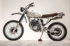 """The 1989 Honda XR 250 Scrambler """"Everyday Friend"""" customized by Red Clouds Collective. Honda Scrambler, Xt 600 Scrambler, Scrambler Custom, Cafe Racer Motorcycle, Honda Motorcycles, Custom Motorcycles, Custom Bikes, Cars And Motorcycles, Honda Bobber"""