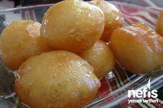 Lokma Tatlısı Tarifi Lebanese Desserts, Semolina Cake, Arabic Sweets, Turkish Delight, Turkish Recipes, Food And Drink, Eat, Cooking, Hat Patterns