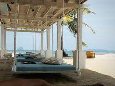 | outdoor hanging bed |