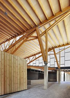 Inca Public Market / Charmaine Lay, Carles Muro Beautiful connection and trusses Architecture Design, Timber Architecture, Timber Buildings, Contemporary Architecture, Amazing Architecture, Truss Structure, Bamboo Structure, Steel Structure, Steel Trusses