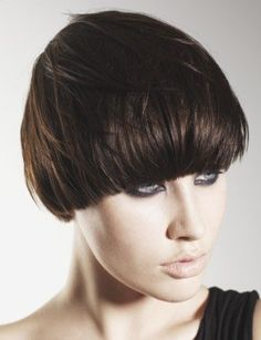 { PAGE-BOY _ Stylish Holiday Hairstyles for Short Hair