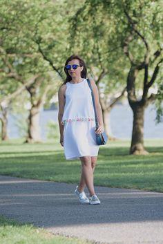 Pompones-MariEstilo-Romwe-Fashion blogger-streetstyle-spring-fashionideas-mariestilotravels-dcblogger-modayestilo  #lookoftheday #mariestilo #fashionblogger #pompones #outfit #streetstyle #dcblogger #dresses #whitedress #moda #style #fashion