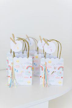 Give Away Mitgebsel Papiertüten zum Einhorn Geburtstag