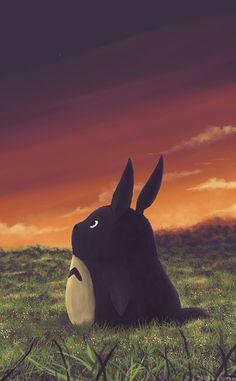 夕焼けを眺めているトトロ