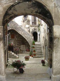 St Stefano Di Sessanio Abruzzo Italy...  One day I will go here :)