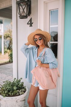Chambray Top For Summer Casual Fall Outfits, Winter Outfits, Cool Outfits, Summer Outfits, Vacation Outfits, Business Casual Slacks, White Bathing Suit Top, Southern Curls And Pearls, California Girl Style