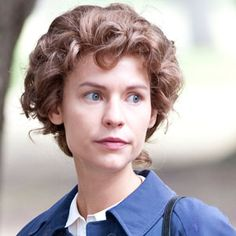 Claire Danes as Temple Grandin. See Movie, Film Movie, Great Films, Good Movies, Troubles Autistiques, Temple Grandin, Claire Danes, Movies Worth Watching, Kitchens