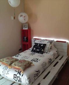 Bettgestelle beistelltisch nachttisch selber bauen paletten holz rahmen weiß                                                                                                                                                                                 Mehr
