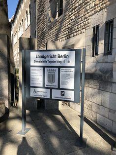 www.anwalt-strafverteidigung.de Broadway Shows, Criminal Law, Door Entry