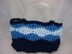 Tasche aus Zpagettigarn in verschiedenen Blautönen von Fräulein Hille auf DaWanda.com