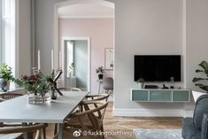 Peek Into a Stylish Gothenburg Apartment with a Delicate Palette and Some Noteworthy Design Elements - Nordic Design Patio Interior, Apartment Interior Design, Living Room Interior, Interior Decorating, Modern Scandinavian Interior, Scandinavian Apartment, Scandinavian Style, Midcentury Modern, White Furniture