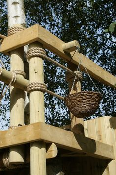 Picnic Basket and Pulley by Treehouse Life Outdoor Baby, Outdoor Fun, Outdoor Decor, Cubby Houses, Play Houses, Nest Swing, Sustainable Architecture, Pavilion Architecture, Residential Architecture