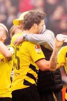 Mats Hummels verabschiedet den besten Trainer der Welt ! #Kloppo