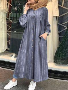 Iranian Women Fashion, Islamic Fashion, Muslim Fashion, Stylish Dresses For Girls, Stylish Dress Designs, Casual Dresses, Dresses For Hijab, Hijab Fashion Summer, Modest Fashion Hijab