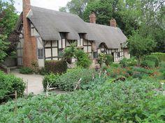 Anne Hathaways Cottage England