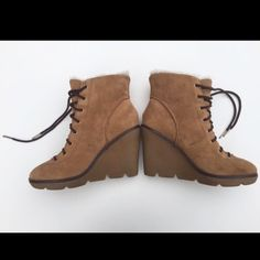 """✨🎉HP🎉✨Michael Kors Genuine Leather Boots❄️⛄️❄️ Michael Kors suede leather boots with laces. Shearling lined. 4"""" (heel) rubber sole. Very comfortable to wear and walk with💖 Michael Kors Shoes Ankle Boots & Booties"""