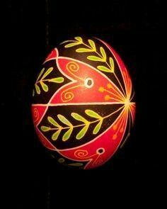 Vine on black, 4 red petals (oblique) 1104414 Cool Easter Eggs, Ukrainian Easter Eggs, Egg Carton Crafts, Egg Crafts, Easter Projects, Easter Ideas, Carved Eggs, Easter Egg Designs, Faberge Eggs