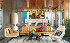 A eclética decoração de Jonathan Adler. Veja: http://www.casadevalentina.com.br/blog/materia/o-para-so-ecl-tico-de-jonathan-adler.html  #decor #decoracao #interior #design #home #casa #house #idea #ideia #cozy #style #estilo #cor #color #living #livingroom #sala #saladeestar #casadevalentina