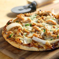 A BBQ Chicken Pizza recipe to help you meet your healthy eating goals. - A BBQ Chicken Pizza recipe to help you meet your healthy eating goals. Mushroom Pizza Recipes, Chicken Pizza Recipes, Best Bbq Chicken, Pizza Nutrition Facts, Onion Recipes, Good Pizza, Rotisserie Chicken, Easy Meals, Stuffed Peppers