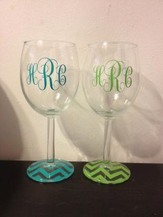 chevron monogrammed wine glasses!