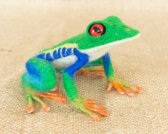 Emmitt the Red-Eyed Tree Frog: Needle felted animal sculpture by Megan Nedds of The Woolen Wagon