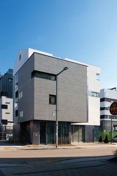사는 재미가 있는 상가주택-1 이미지 2 Factory Architecture, Space Architecture, Residential Architecture, Exterior Rendering, House Elevation, Building Elevation, My Building, Small Modern Home, Model Homes