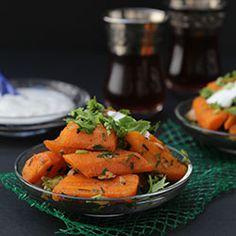 Pikantna sałatka z marchewki w marokańskim stylu wg Yotama Ottolenghi.